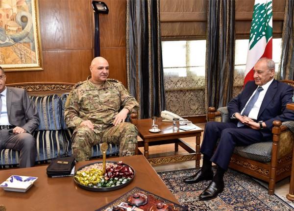 قائد الجيش شرح للمسؤولين الأوضاع الميدانية التي ترافق انتشار الجيش