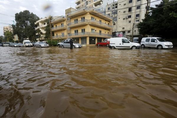«شتوة» تغرق الدولة: نتائج سياسات التقشف