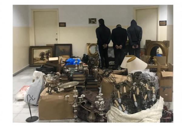 سرقوا مقتنيات بقيمة 150 ألف دولار من منزل في الأشرفية