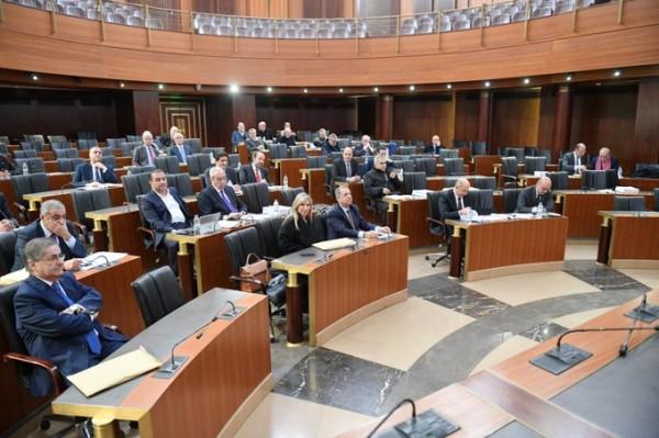اللجان النيابية المشتركة تعلن المصادقة على 'قانون من أهم القوانين'