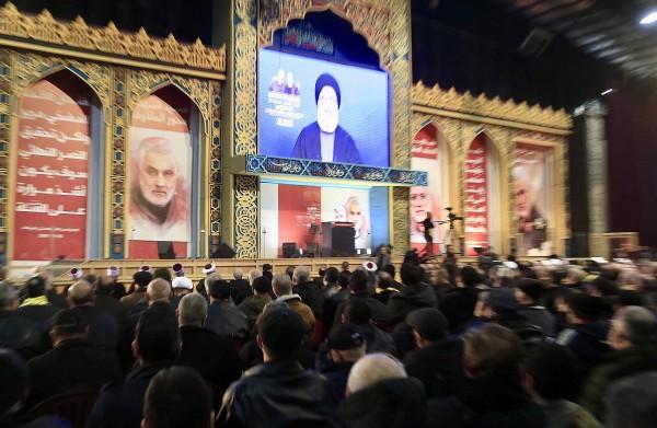 خيارات «حزب الله» أحلاها مرّ: ملاقاة الثورة أو الفوضى أو الحرب