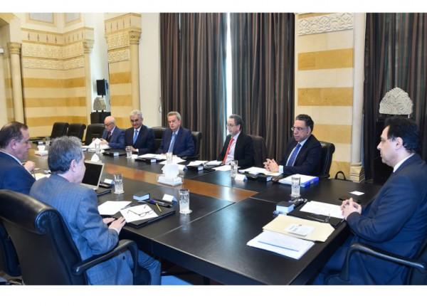 'ورشة مالية - اقتصادية'... وهذا ما طلبه دياب من 'البنك المركزي وجمعية المصارف'