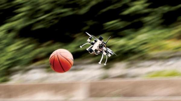 «كرة السلة» تختبر طائرة من دون طيار