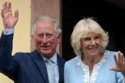 إصابة الأمير تشارلز بـ«كورونا» تثير قلقاً على صحة والديه