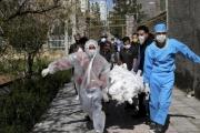 حرب كلامية بين روحاني وخصومه تعمق أزمة كورونا