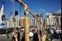 'يوم الحساب وتعليق المشانق'.. وسط بيروت يعجّ بالمتظاهرين