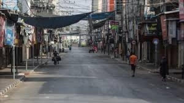 حماس تخصّص مليون دولار لمساعدة الفلسطينين في لبنان، أليست غزّة أولى بها؟