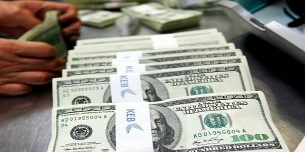الدولار ب3900، قيمة الليرات التي يطبعها المركزي لتعويض الفرق 'ضخمة'