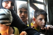 الجوع يخترق حياة السوريين.. والنظام يطارد المواطن في رغيف الخبز!