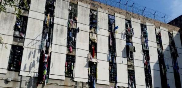 لجنة طوارىء السجون: لتأمين الأدوية والمستلزمات الطبية والإسراع بالمحاكمات عن بُعد