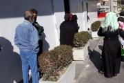 مساعدات جديدة للنازحين وعائلات جديدة تصل إلى الجنوب عن طريق التهريب