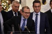 «العوني» يتشدد للإمساك بقرارها لأنها ستكون في حساباته حكومة الفراغ الرئاسي