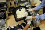 """إيطاليا تصادر شحنة مخدرات بمليار دولار تعود لـ""""الحزب"""" والنظام"""