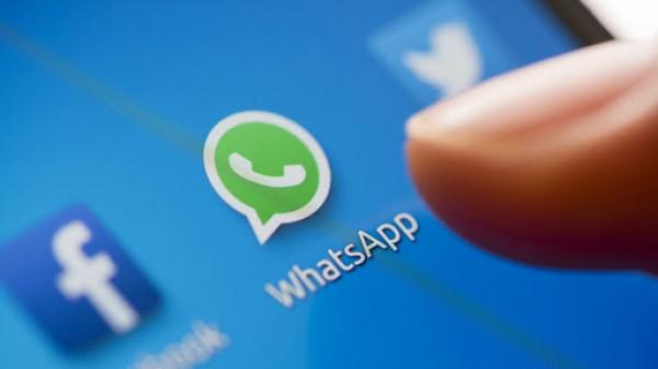 هل وافقت ولم تقرأ؟.. إذًا واتساب سيحذف حسابك إذا لم تشارك بياناتك مع فيسبوك!