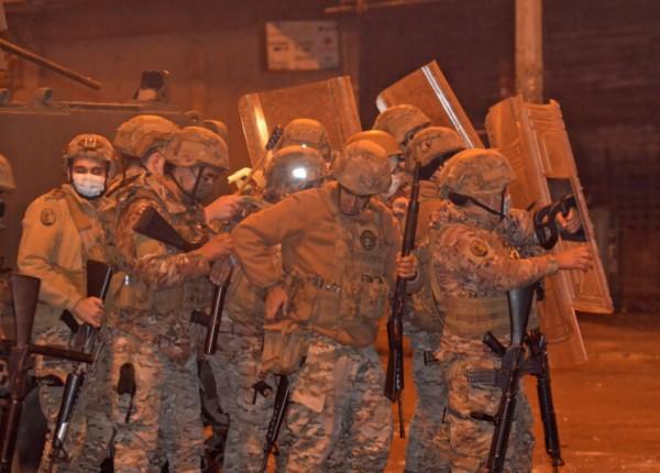 تظاهرات طرابلس.. إصابة 31 عسكرياً