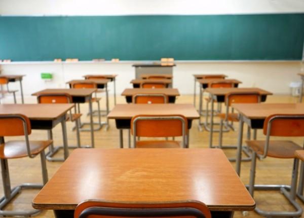 ما صحة اعادة فتح المدارس بدءاً من يوم الإثنين؟