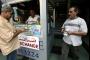 الدولة تواجه انهيار الليرة بقمع التطبيقات