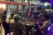 طرابلس بين صورتيْن: جوع الفقراء ومقاهي المرتاحين