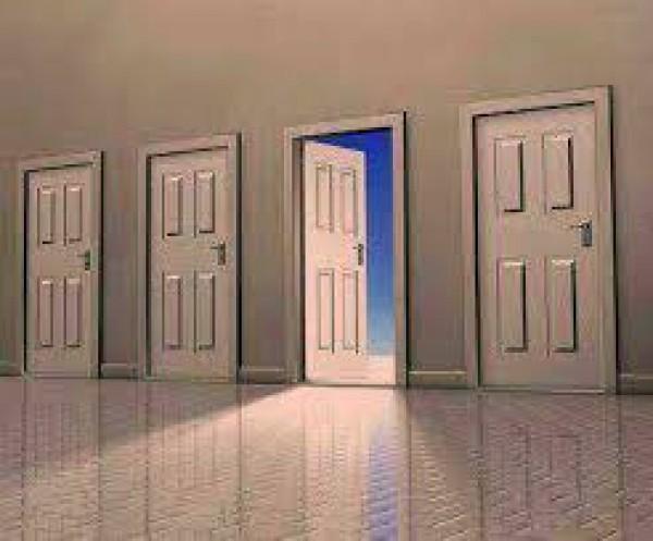 أبواب تفتح وأبواب تغلق