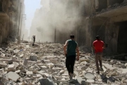 التايمز: ماذا يريد النظام والروس من حرق حلب وتدميرها؟