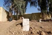 تحت حصار الحرب .. سكان الموصل يدفنون موتاهم كلما تيسر لهم ذلك